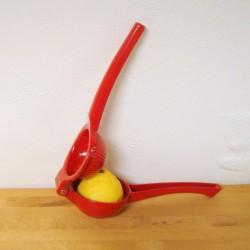 Citrus presser i metal