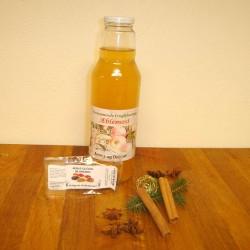 Æblegløgg, et sæt krydderier og æblesaft